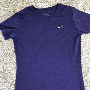 Nike dri fit short sleeve shirt XS